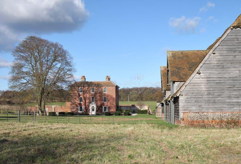 Uma exploração agrícola em Inglaterra rural imagem de stock