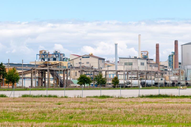 Uma fábrica do moinho de açúcar foto de stock
