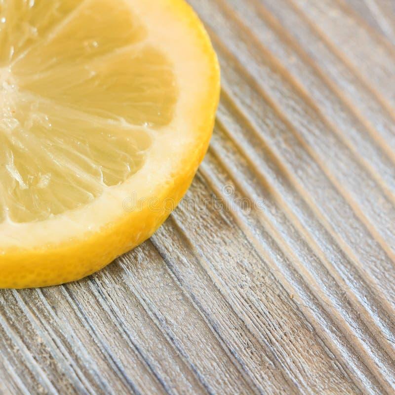 Uma fatia de limão fotografia de stock