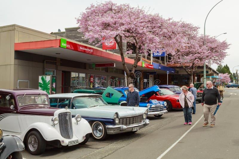 Uma feira automóvel clássica exterior em Tauranga, Nova Zelândia foto de stock