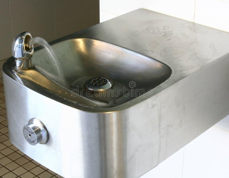 Uma fonte de água interna imagens de stock