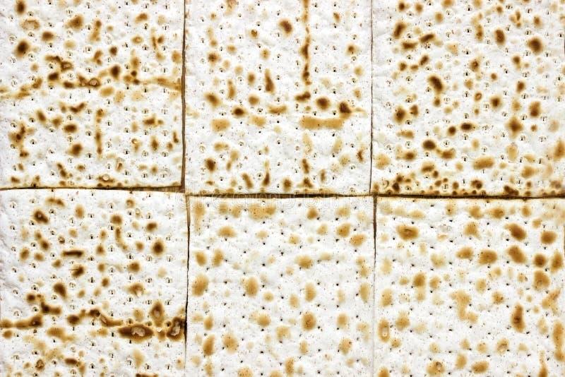 Uma foto aérea de muitas partes de matzah ou de matza Matzah para os feriados judaicos da páscoa judaica Lugar para o texto, espa foto de stock