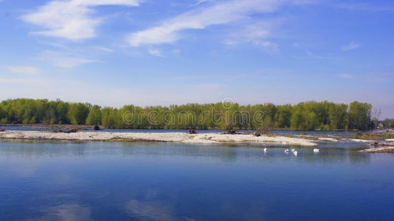 Uma foto de um rio em Itália foto de stock royalty free