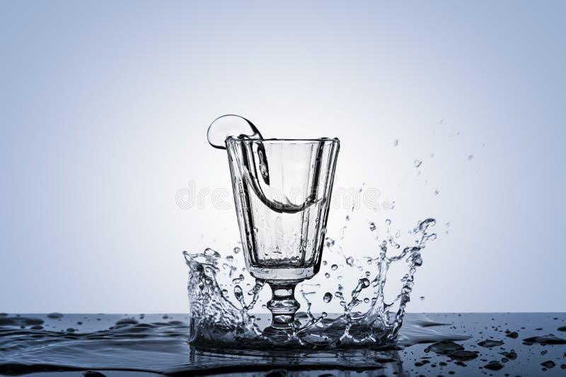 Uma fotografia de um ponto no álcool em um vidro do vintage imagem de stock
