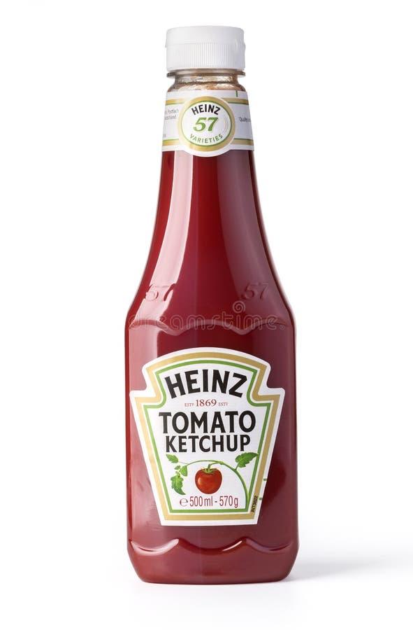 Uma garrafa de Heinz Ketchu foto de stock royalty free
