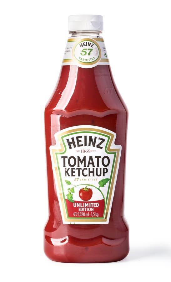 Uma garrafa de Heinz Ketchup isolou-se no fundo branco fotografia de stock royalty free