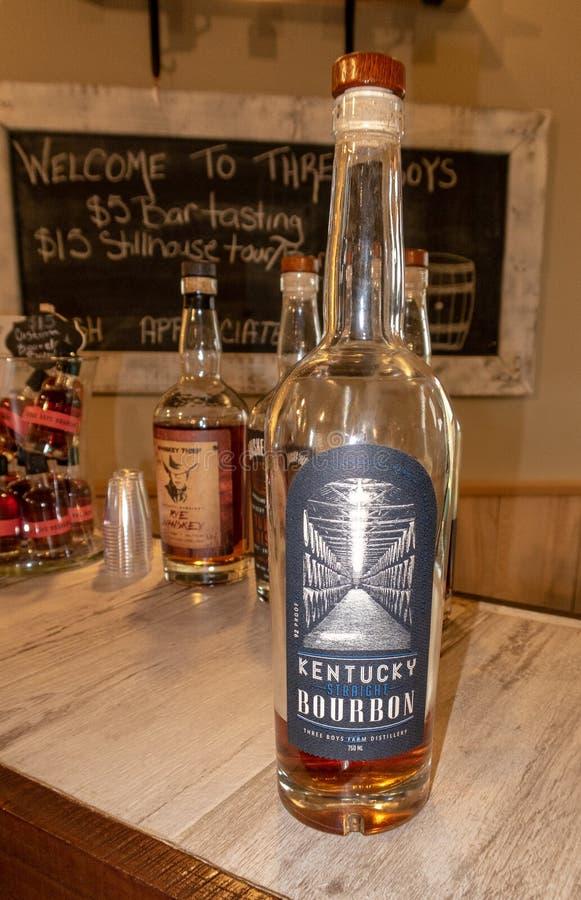 Uma garrafa de Kentucky Bourbon foto de stock