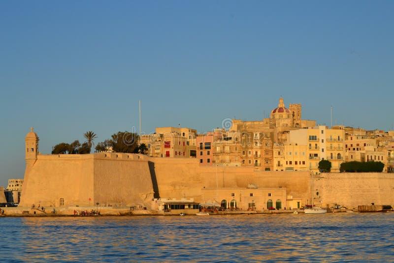 Uma grande cidade velha em Malta nomeou Senglea ou Isla em maltês fotografia de stock royalty free