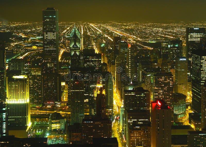 Uma ideia aérea da noite de Chicago fotos de stock