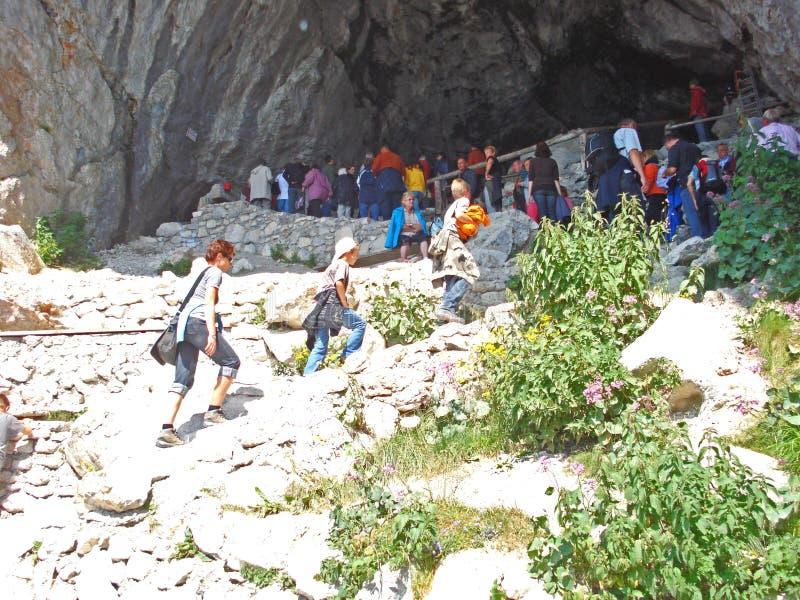 Uma ideia da entrada da caverna de gelo no cerco de Salzburg em Áustria foto de stock royalty free