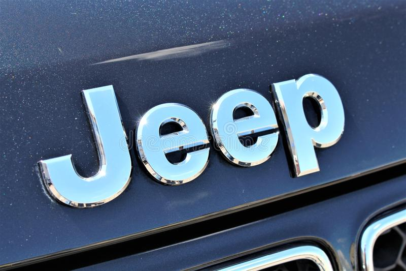 Uma imagem de Jeep Logo - de um Bielefeld/Alemanha - 07/23/2017 imagens de stock