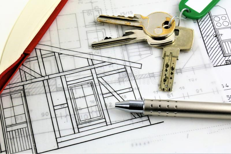 Uma imagem do conceito de um plano da casa e com chave imagem de stock royalty free