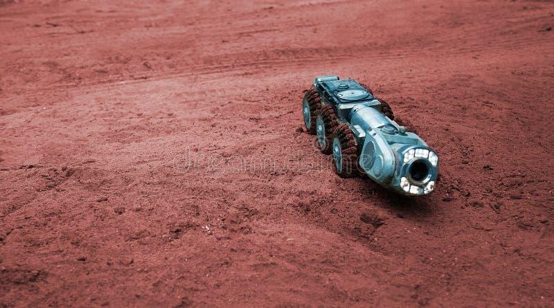Uma imagem real da ficção científica, uma máquina em Marte fotografia de stock royalty free