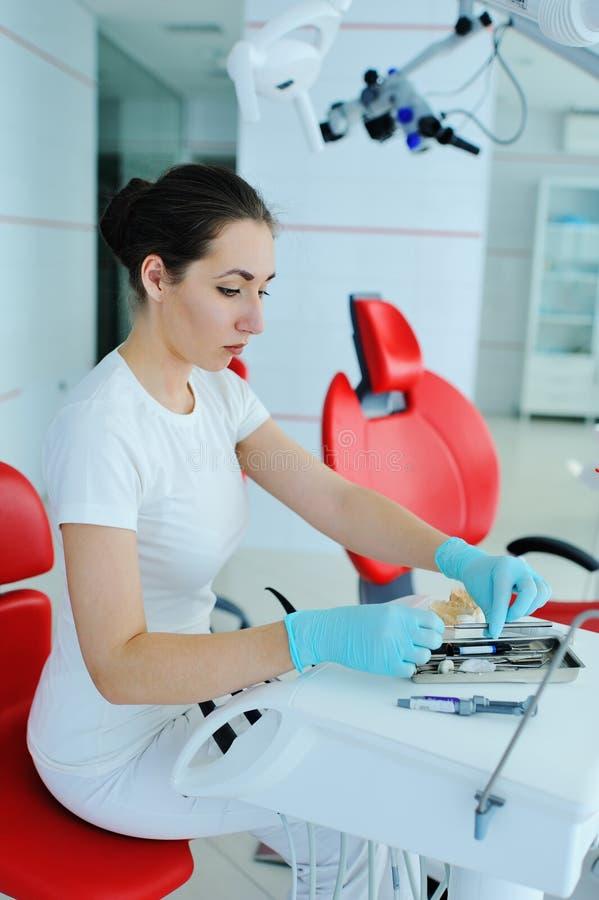 Uma impressão da maxila do emplastro dentaduras foto de stock royalty free