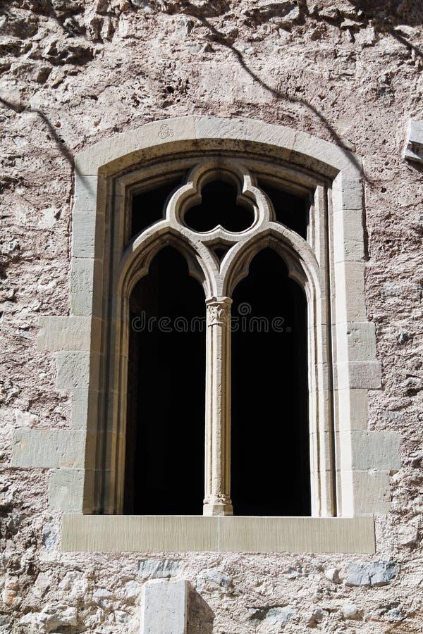 Uma janela do vintage no castelo de Chillon em Suíça imagem de stock