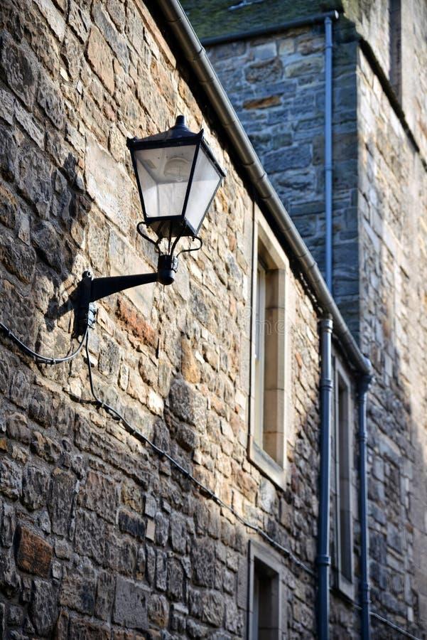Uma lâmpada de querosene no lado escocês imagem de stock