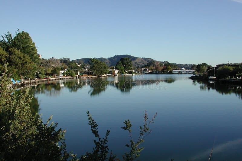 Uma lagoa quieta fotografia de stock royalty free