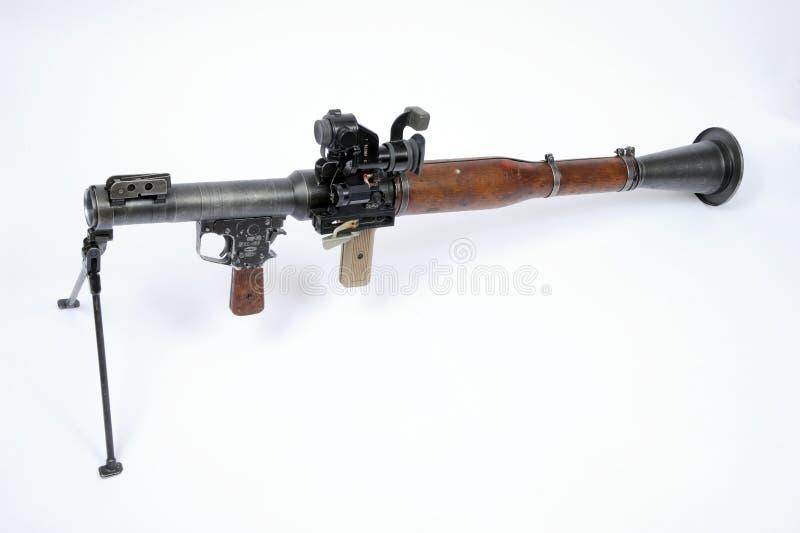Uma lança-foguetes do RPG 7 do russo com vista ótica da montagem e da longa distância do bipod fotografia de stock royalty free
