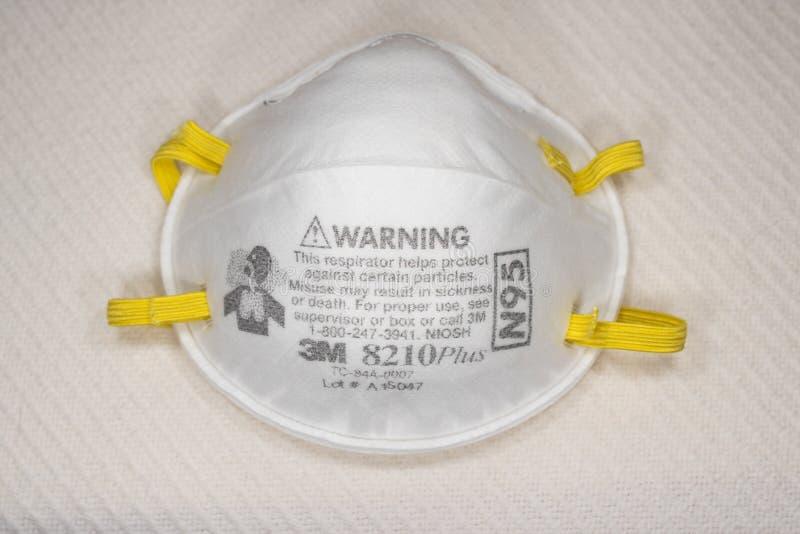 Uma máscara respiratória 3M N95 imagens de stock royalty free
