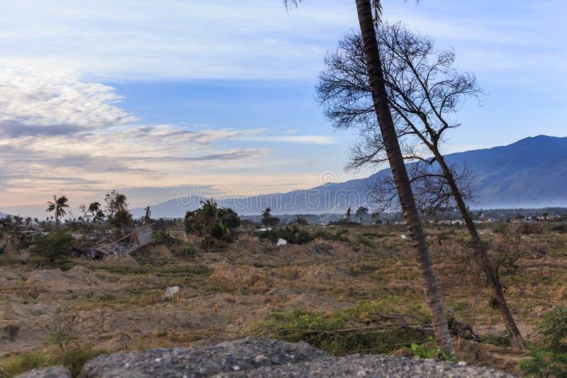 Uma manhã ensolarada no petobo da vila perdeu devido à liquefação imagem de stock