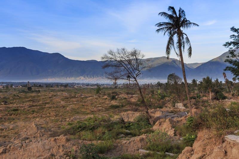 Uma manhã ensolarada no petobo da vila perdeu devido à liquefação imagem de stock royalty free