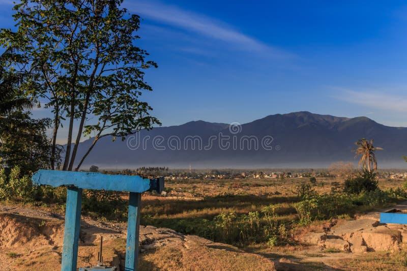 Uma manhã ensolarada no petobo da vila perdeu devido à liquefação foto de stock royalty free