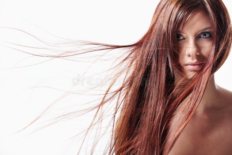 Uma menina com cabelo longo fotos de stock