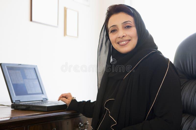 Uma mulher do Oriente Médio fotos de stock