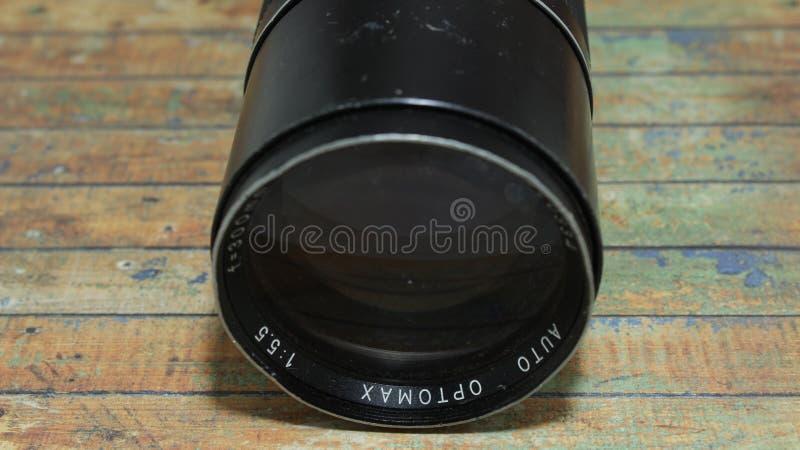 Uma objetiva preta bonita da foto do vintage fotografia de stock