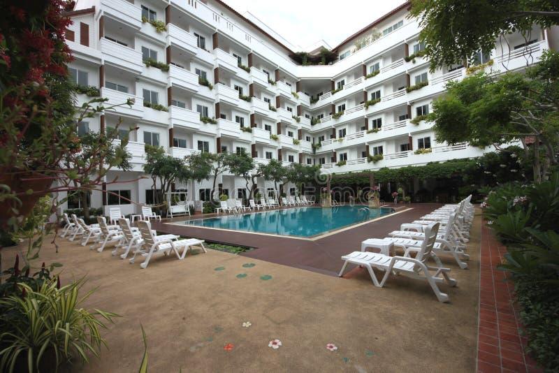 Uma opinião bonita do hotel na cidade de Pattaya em Tailândia foto de stock royalty free