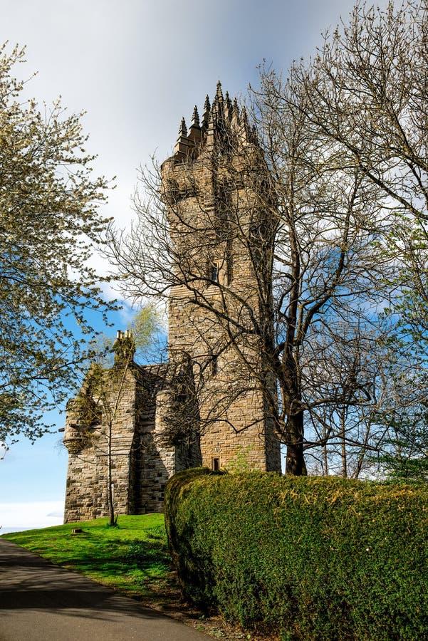 Uma opinião Wallace Monument nacional na cume de Abbey Craig próximo fotografia de stock royalty free