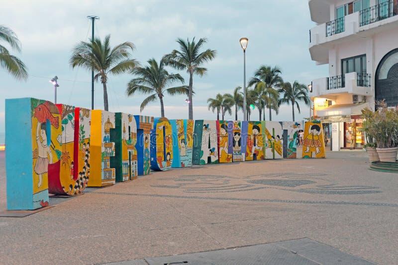 Uma oportunidade da foto avante no malecon em Puerto Vallarta, México imagem de stock