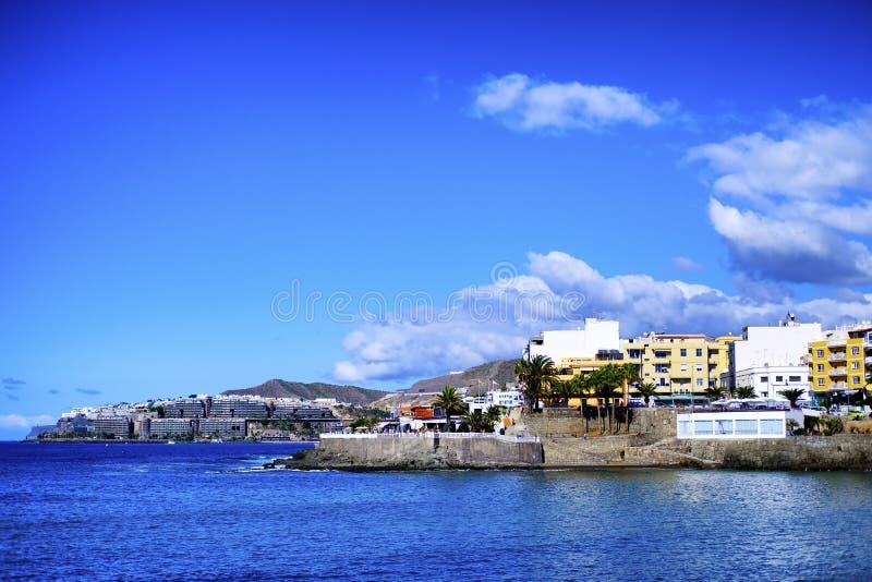 Uma paisagem litoral de Arguineguin em Gran Canaria imagem de stock