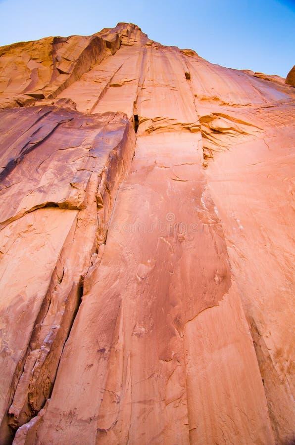 Uma parede completa da rocha em Moab, UT imagens de stock