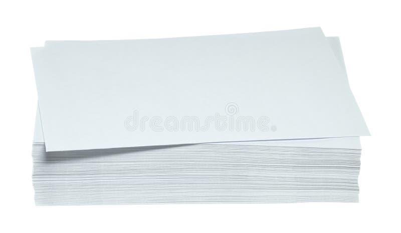 Uma pilha de envelopes imagens de stock