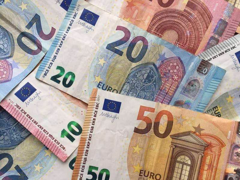 Uma pilha de euro- cédulas imagens de stock royalty free