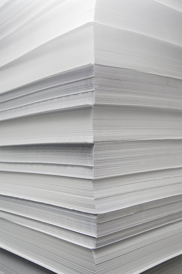Uma pilha do Livro Branco imagem de stock royalty free