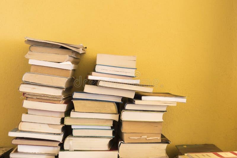 Uma pilha dos livros imagem de stock royalty free