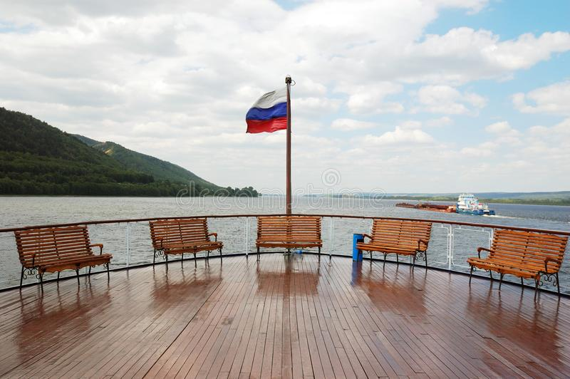 Uma plataforma no barco do cruzeiro