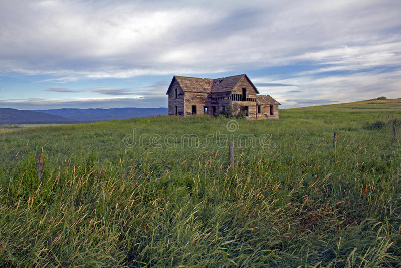 Uma pouco da História de Montana - herdade abandonada imagens de stock