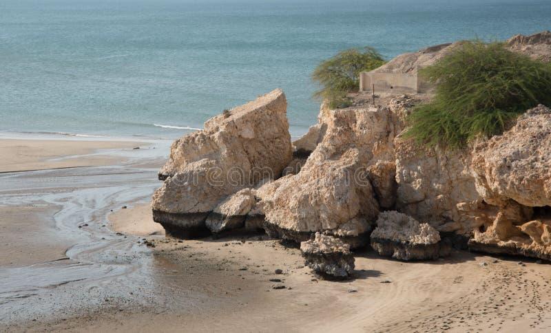 Uma praia bonita no país de Omã foto de stock