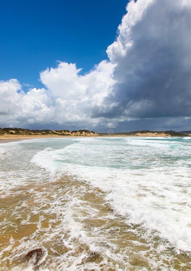 Uma praia da milha - Nelson Bay NSW Austrália imagens de stock