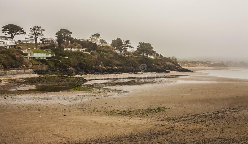 Uma praia em Abersoch, Gales norte fotos de stock royalty free