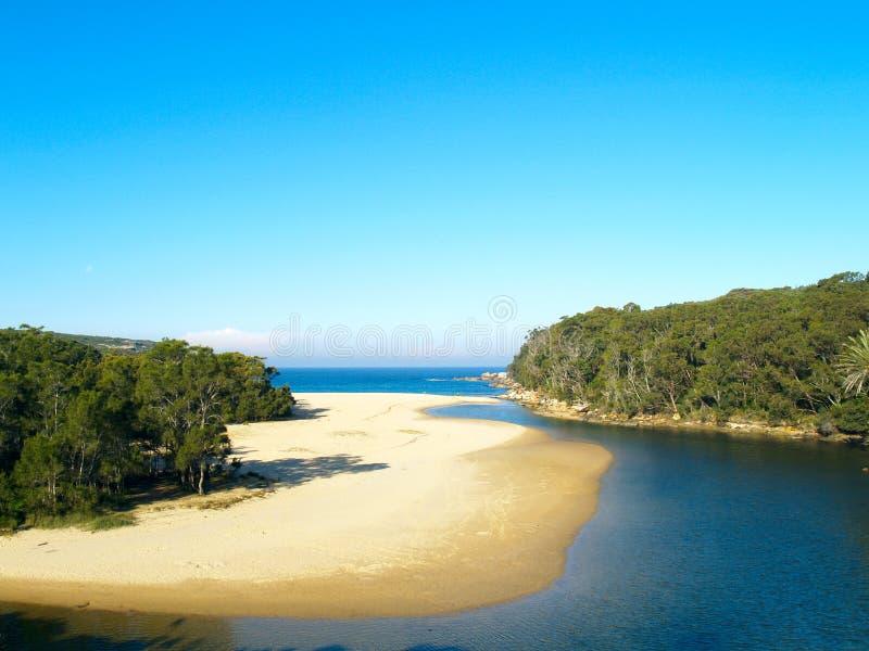 Uma praia tropical em Austrália imagens de stock