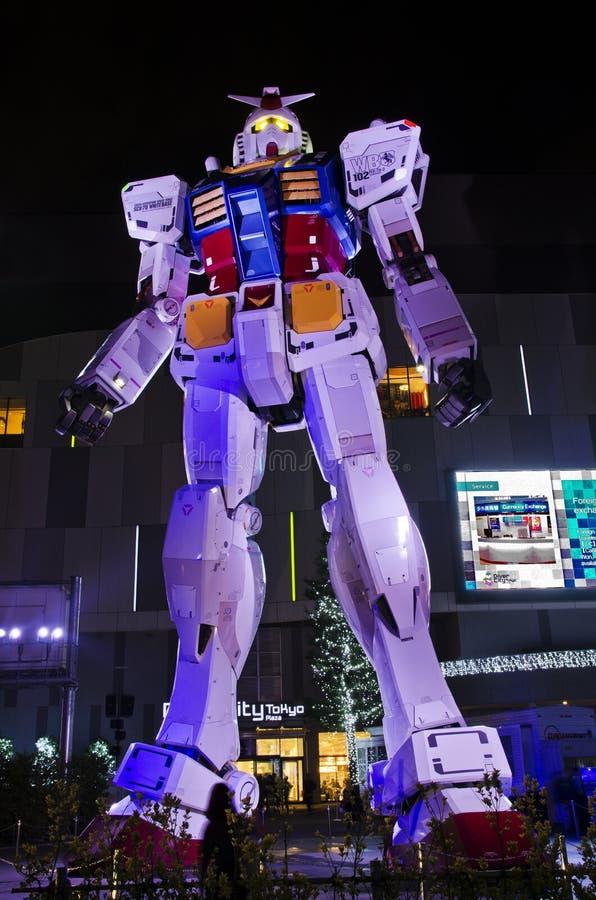 Uma réplica do vida-tamanho de Gundam, 18 medidores de altura fotos de stock