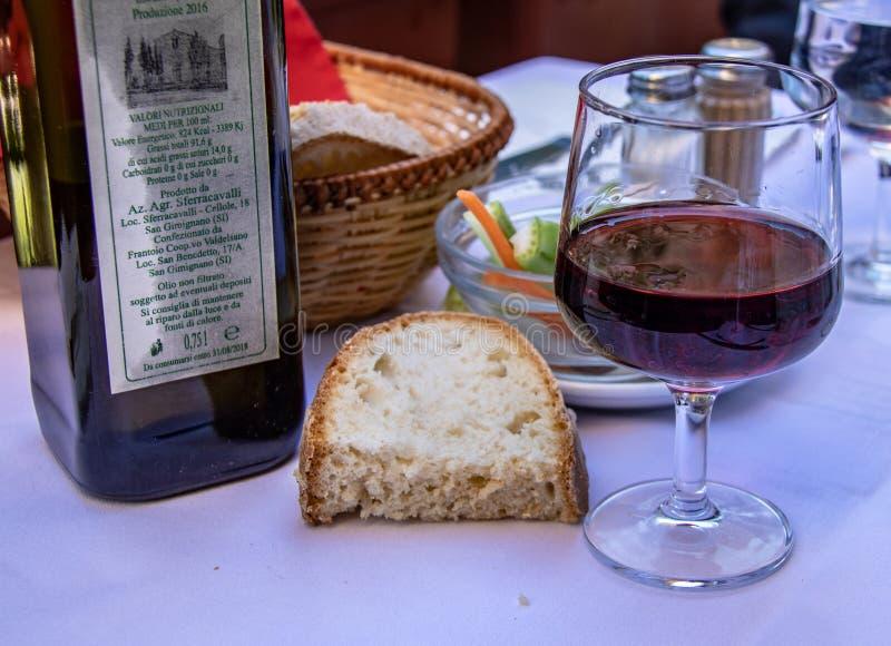 Uma refeição em San Gimignano fotografia de stock royalty free