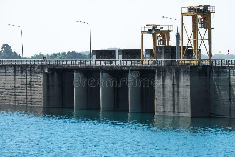 Uma represa em Tailândia foto de stock royalty free