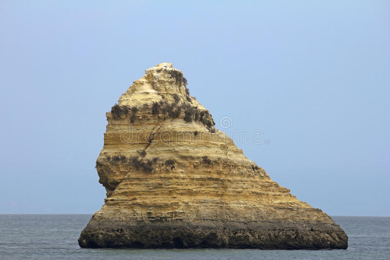 Download Rocha gigante foto de stock. Imagem de litoral, lava - 29835052