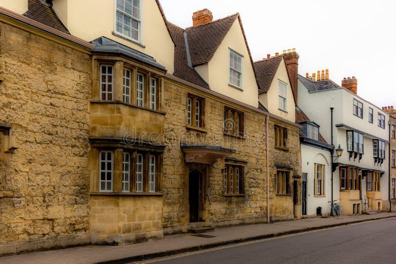 Uma rua medieval e pitoresca em Oxford imagem de stock royalty free