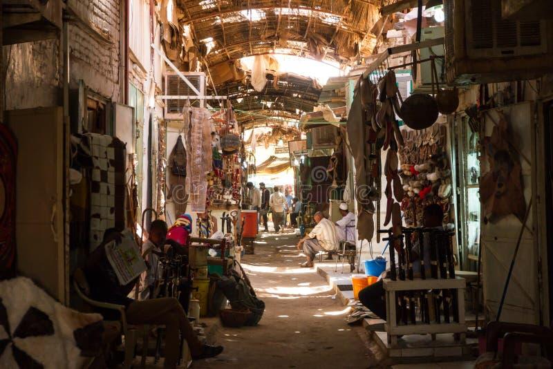 Uma rua secundária mais quieta, no Omdurman Souq Khartoum fotos de stock royalty free